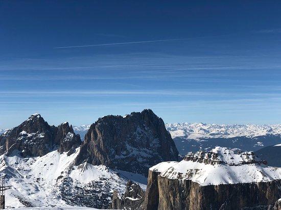 La Terrazza delle Dolomiti: Виды потрясающие! Особенно в солнечный день, когда нет дымки.