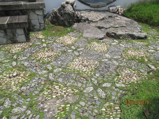 Chinese and Japanese Gardens: There are so many beautiful intricate details