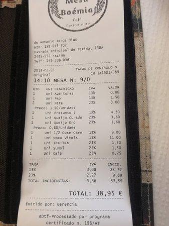 Serviço e funcionários excelentes. Os preços dos pratos principais eram satisfatórios e a comida era realmente boa, entretanto as entradas eram muito caras.