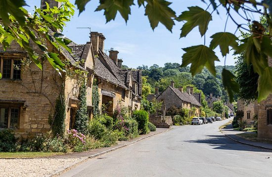 Experience the Cotswolds Tours