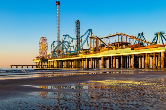 ‪Galveston Island Historic Pleasure Pier‬