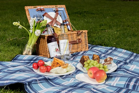 You can order a picnic to take on your trip