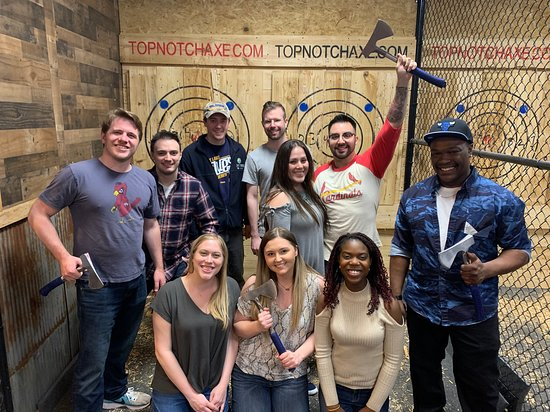 Top Notch Axe Throwing St. Charles