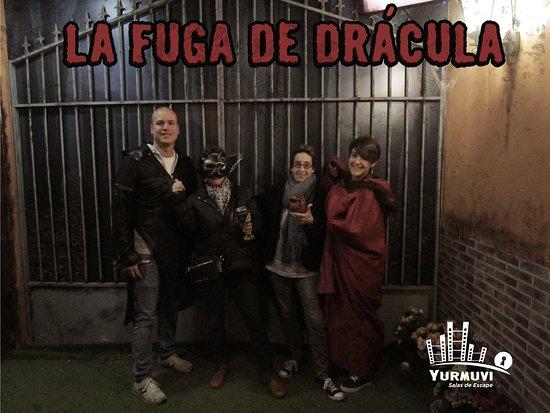 Yurmuvi - La Fuga de Dracula Escape