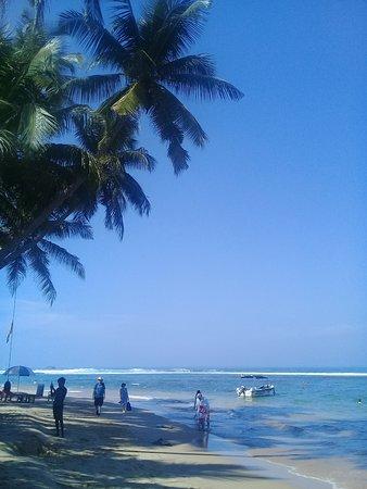 Hikkaduwa Beach: пляж