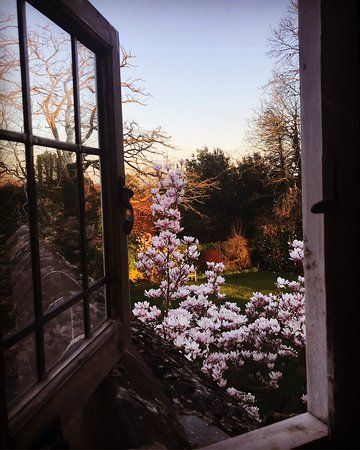 Ockenden Manor Hotel & Spa: View from the Thomas Room