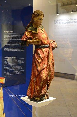 Belém Small Group Walking Tour with skip the line service to Jerónimos Monastery: Inside the Museu de Marinha