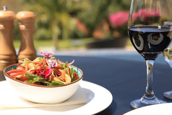 Nya Restaurant: Fried calamari salad