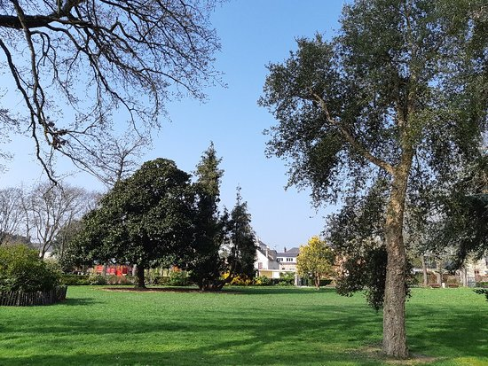 Square de Villeneuve