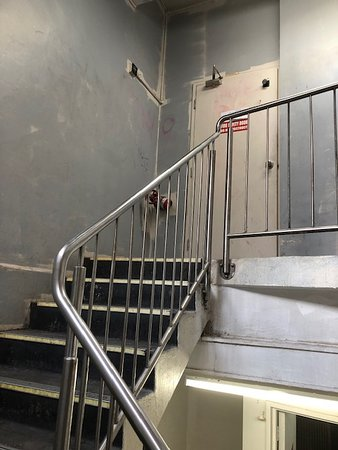 Dixon Residences: stairwell to accomodation