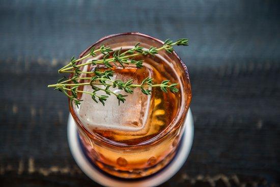 Bel & Brio: Extensive cocktail list