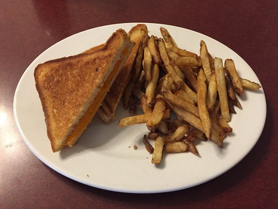 Northern Motor Inn: Grilled Cheese w/ Fries