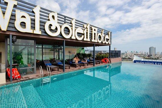 Deluxe Twin Room with city view - Val Soleil Hotel, Da Nang Resmi - Tripadvisor