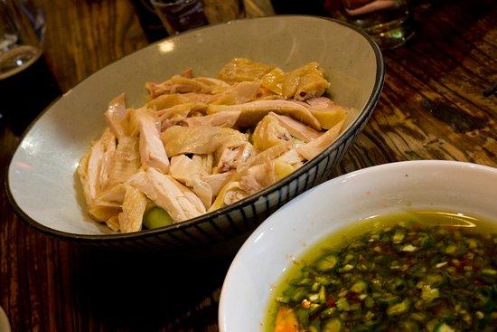 香麻雞 Steamed chicken in sichuan pepper dressing