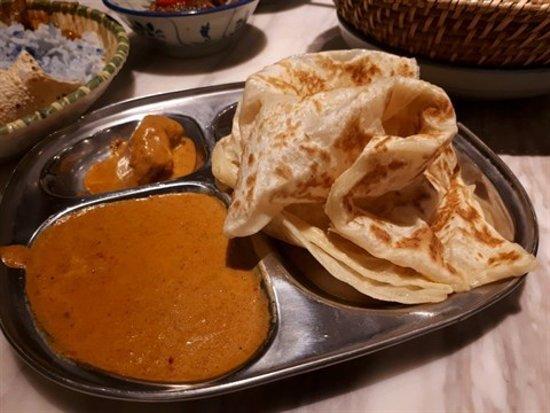 Sedap Malaysian Delights (The L. Place): 印度飛餅配吉隆坡咖喱汁
