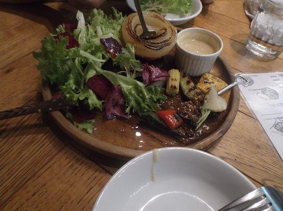 Farmers Table (Kawaguchi): ハーフのバーニャカウダー