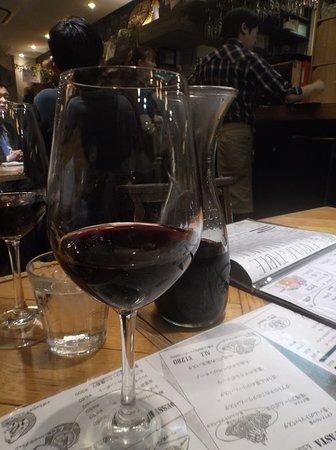 Farmers Table (Kawaguchi): 赤ワイン、後方デカンタ。