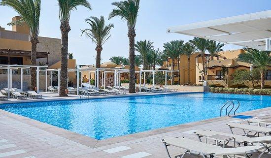 Jaz Solaya: Swimming Pool
