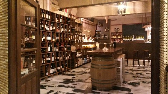 Oinohoros-Wine Bar & Shop