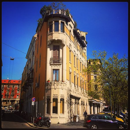Milán, Italia: Casa Sartori (Little Flatiron), Via Piacenza, Milano.