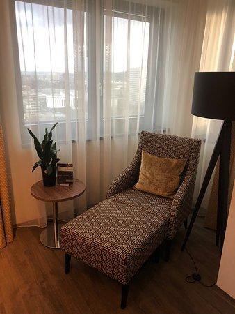 Bonn Marriott Hotel : Corner suite relaxing chair