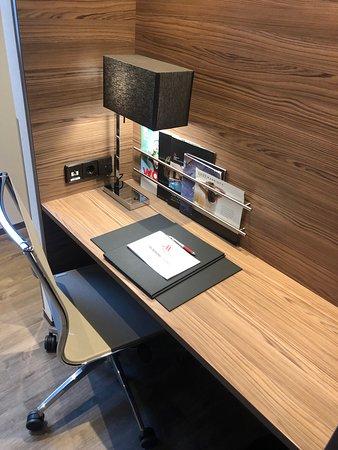 Bonn Marriott Hotel : Working desk
