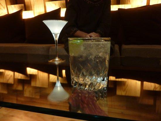One Bar: ジントニックとマルガリータ