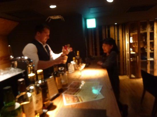 One Bar: バーテンダーのカイルさん