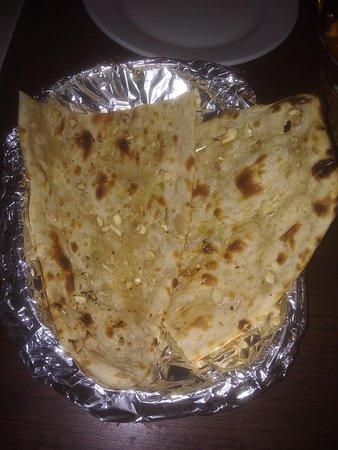 Indus Tandoor : Garlic Naan Bread