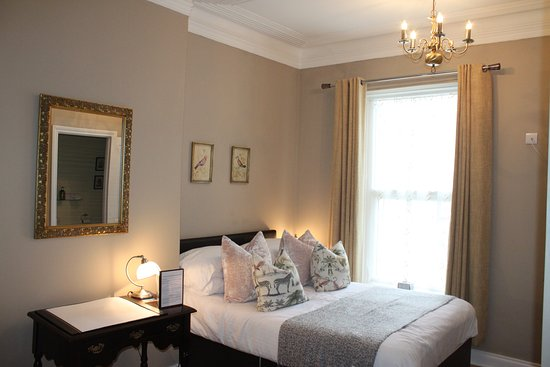 Devon House Guest House: Room 4 Double ensuite with extra guest bed option