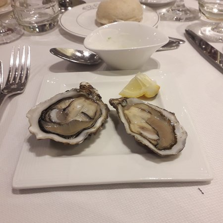 Les Salons St Germain: Oesters