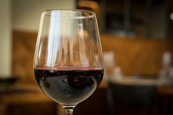 Wine (Ánima Negra)