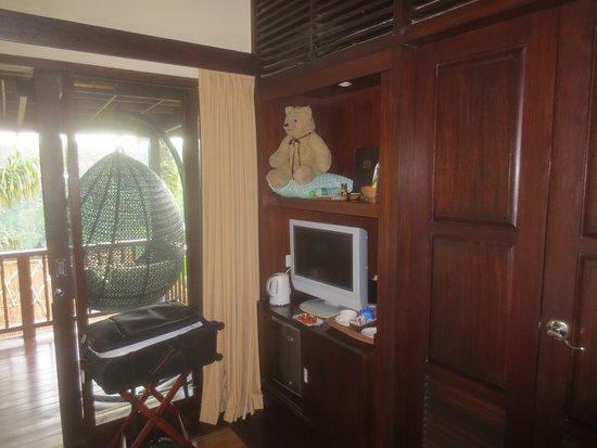 Ecke Mit Minibar Und Tv Blick Auf Terrasse Picture Of Nandini Jungle Resort Spa Bali Payangan Tripadvisor