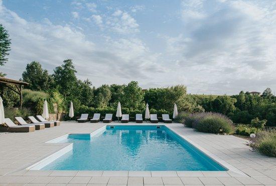 Pool - Picture of La Villa Hotel, Mombaruzzo - Tripadvisor