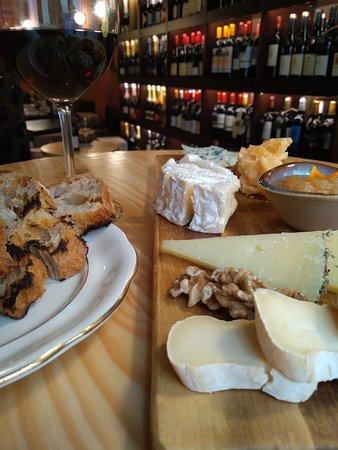 Tabla de quesos mediterráneos