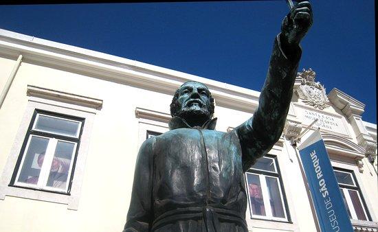 Statue of Father Antonio Viera
