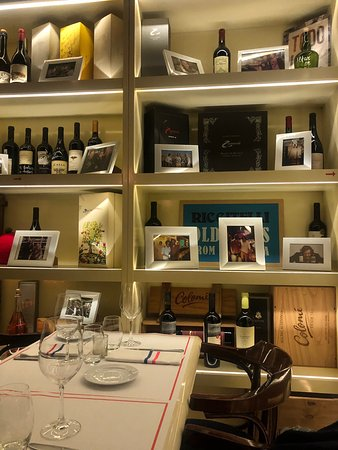 If you are in Plaza Mayo and by chance are hungry and want to eat like local, go there and enjoy the atmosphere with great selection f wine. Foods are great too.