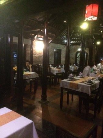Y Thao Garden: salle