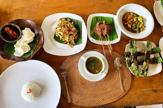 Ketut's Bali Cooking Class: Our Balinese feast!
