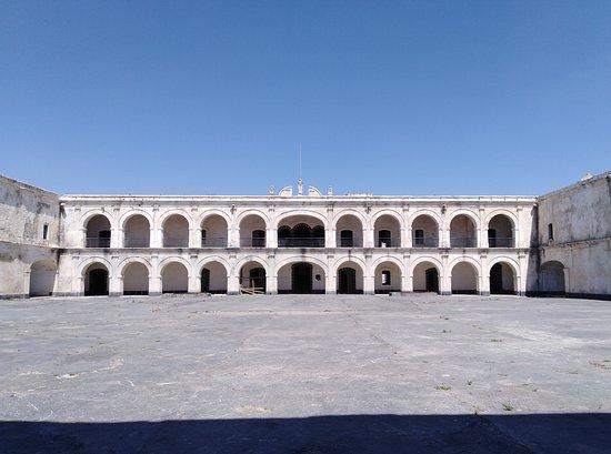 Patio central Fortaleza de San Carlos en Perote, veracruz