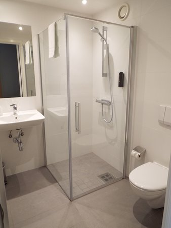 Hotel Osterport - Standard Room Bathroom