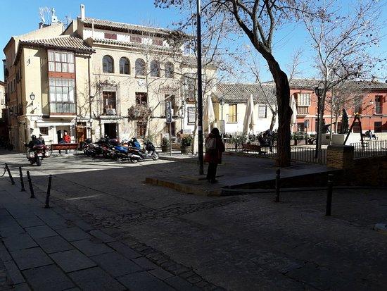 Plaza Padre Juan de Mariana