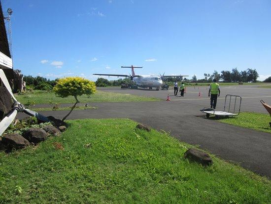 Air Tahiti: Plane landing is the one that will take us to Bora Bora