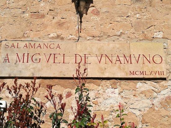Monumento a Miguel de Unamuno