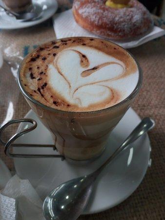 Bar Pasticceria tiffany: cappuccino  buonissimo