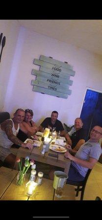 Twist Of Flavors Aruba: vrijdag burger night