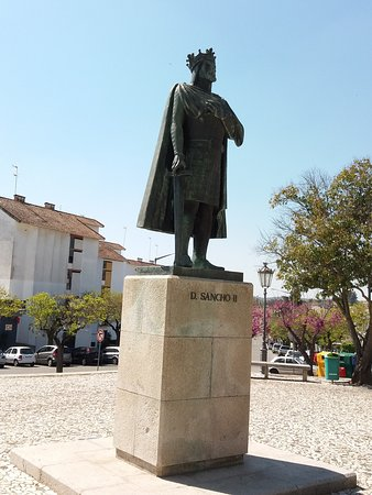 Monumento a Dom Sancho II
