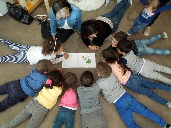 Letture per bambini con i volontari NpL