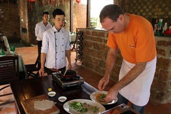 会安美食之旅和烹饪课程与河上游船