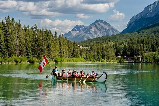 Banff National Park Big Canoe Tour